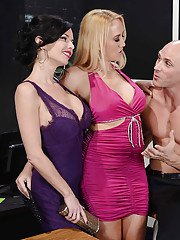 Alana Evans  Veronica Avluv have threesome anal fun with a well-hung guy