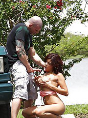 Juggy latina slut Savana Ginger gives head and gets fucked outdoor