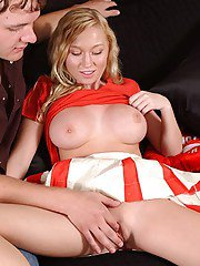 Slutty cheerleader gives a blowjob ans gets her shaved cunt boned-up