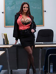 Teacher huge boobs — photo 9