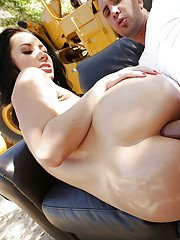 Ravishing brunette Jayden Jaymes gets anal fucked and facialized outdoor