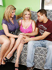 Salacious MILFs with shaved cunts enjoy a threesome with a studly guy