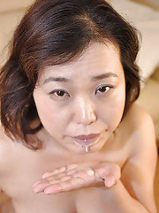 Asian MILF Junko Morikawa gives a blowjob and gets mouth full of creamy cum