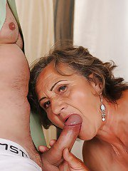 Fatty granny enjoys hard twatting and gets her bush glazed with jizz