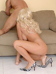 Lewd MILF Brittany Andrews has some hardcore fun with a hung pizza-guy