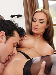 Busty cougar with shaved cunt Diamond Foxxx gobbles and fucks a huge boner