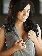 Smiley coed Kristi Michelle undressing and posing nude on the couch