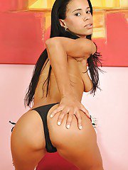 Playful girl Nicoly Ribeiro revealing her titties and shaved love holes