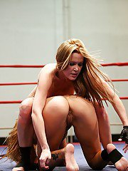 Salacious sporty blondes have a fight in the ring turning into lesbian action