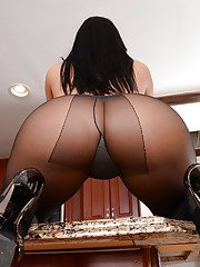 Voluptuous latina floosie in pantyhose getting nude and exposing her goods