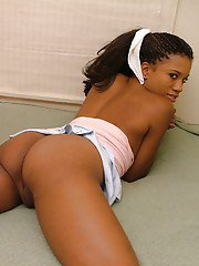 Sassy ebony girl with bubble booty exposing her tits and inviting pussy