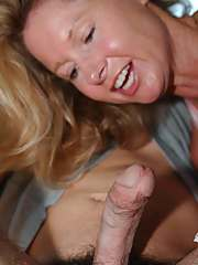 Busty MILF gives a nooky and receives a pussy lick on the back seat