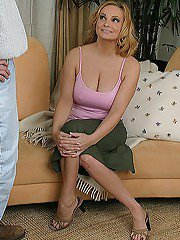 Deep-bosomed blonde MILF gets shagged for jizz in her mouth