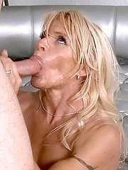 Juggy cougar fucks a thick meaty pole for jizz on her face and in her mouth