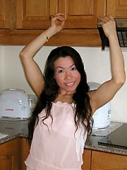 Extremely good Amateur Asian babe Mai knows how to get you interested