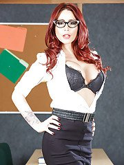 Tremendous milf babe in glasses Monique Alexander is redhead harpy