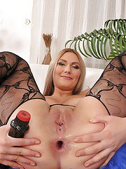 Tender babe in pantyhose Maja is digging deeper into her cave