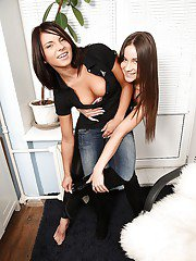 Dinky lesbian teens Ashley and Megan love licking shaved peaches
