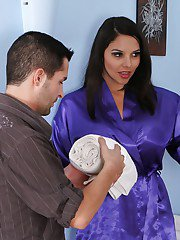 Lovely Latina brunette Missy Martinez hope to satisfy duck with mouth