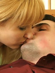 Impeccable blonde milf Jessica adores cool blowjob and ball licking