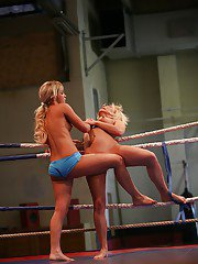 Gallant sporty lesbian girls Kelly Cat and Lisa commence catfight