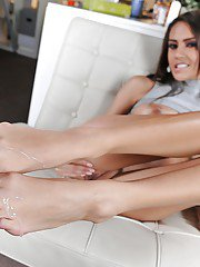 Long-legged babe in glasses Janice Griffith sleeps with her co-worker