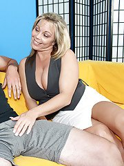 Mature mom is giving her younger boyfriend a good sex lesson