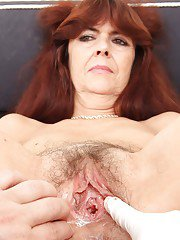 Mature gyno babe Lada is having her hairy pussy checked at doctor
