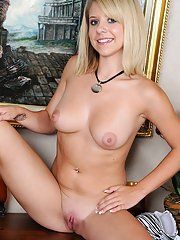 Fantastic teen Tessa Taylor is taking off all of her clothes