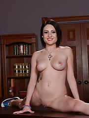 Short-haired milf Chase Ryder with big tits and pierced shaved pussy