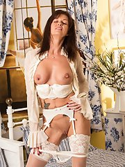 Milf babe Lucy Heart is ready for a good sexual intercourse