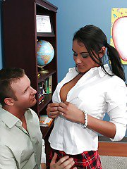 Charley Chase and her rude boss are having an unbelievable sex