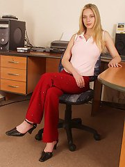 Sexy amateur girl Lucie is demonstrating her ass in her office