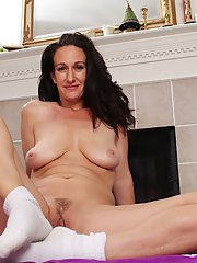 Genevieve Crest prefers training naked and jilling wet sissy