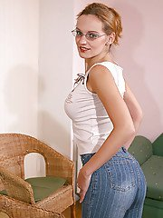Panties model Misty is showing her perfect body in glasses