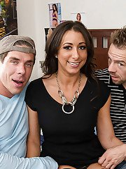 Reality beauty Kaylynn is taking part in an wild threesome party