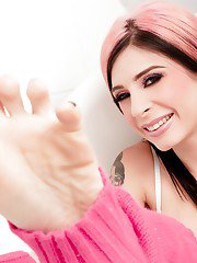 Amateur milf Joanna Angel is showing her tattoos while naked