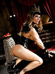 Milf pornstar in latex Jessica spreading her ass and legs for us