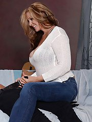 Cute big tit mature Julia Ann gets banged in her tight pussy