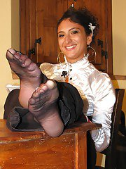 Pretty brunette babe Flavia showing her nasty foot fetish body