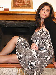 MILF Elena wearing some pantyhose and trying to seduce you guys