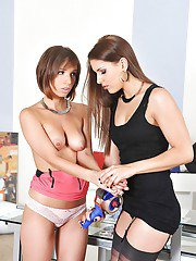 Tina Hot licks some pussy and has a lot of fun with her girlfriend