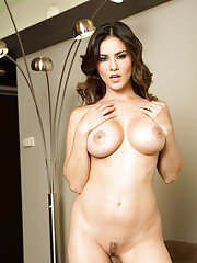 Lingerie model with brunette hair Sunny Leone showing her big ass
