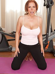 Hot workout from an outstanding Latina milf with big tits Nicky Ferrari
