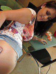 Kinky Latina Raquel wants to a big delicious wieners and gets it