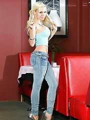 Milf babe Jesse Jane is demonstrating her fit body and her big tits
