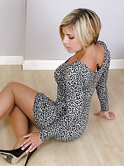 Clothed milf slut Naomi is taking part in a non nude posing scene