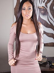 Gianna Nicole is the best secretary you can dream off at your work