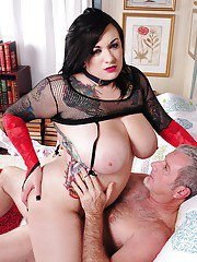 Mature fatty Scarlet is enjoying a big load of cum in her mouth
