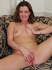 Close up posing scene with an outstanding milf Deliliah Stevenson